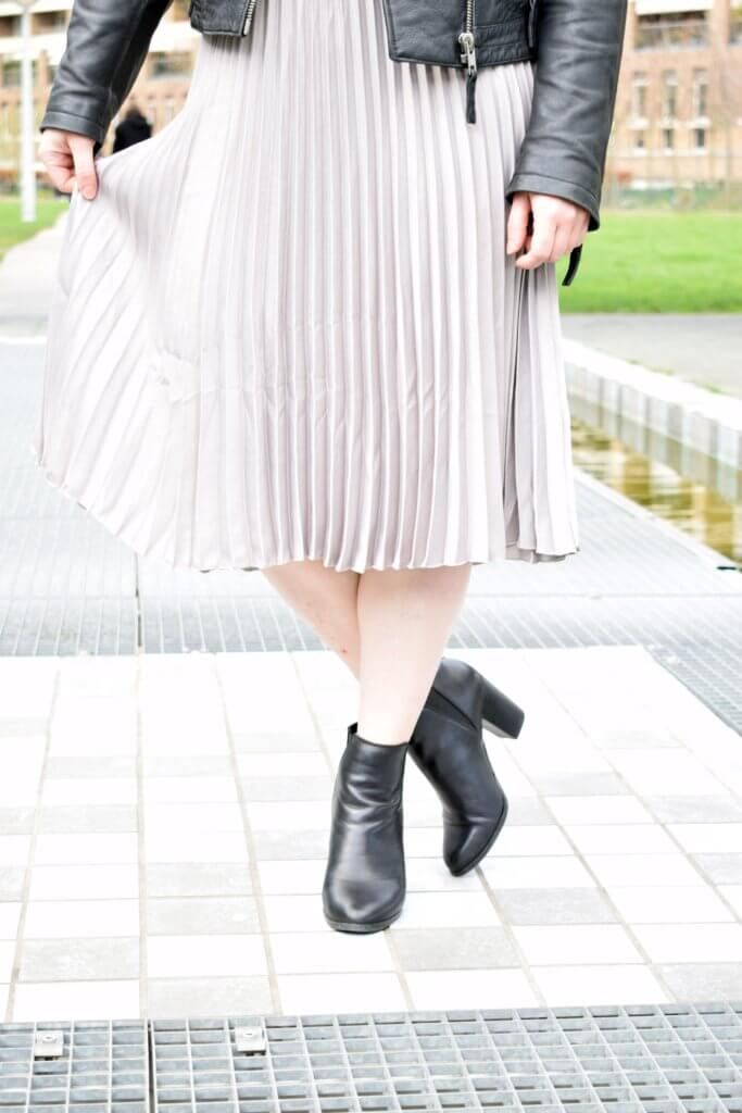 Pleated skirt, H&M, Asos, Aldo, Pinterest
