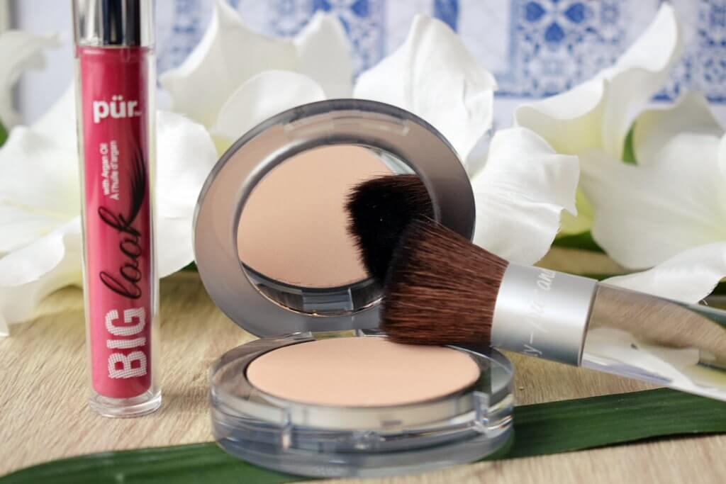 Review: Pur Cosmetics powder foundation and mascara