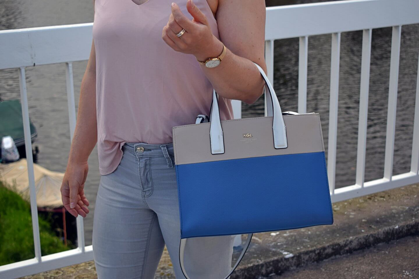 Kurt Geiger London Tote bag in a Blue Grey Combination