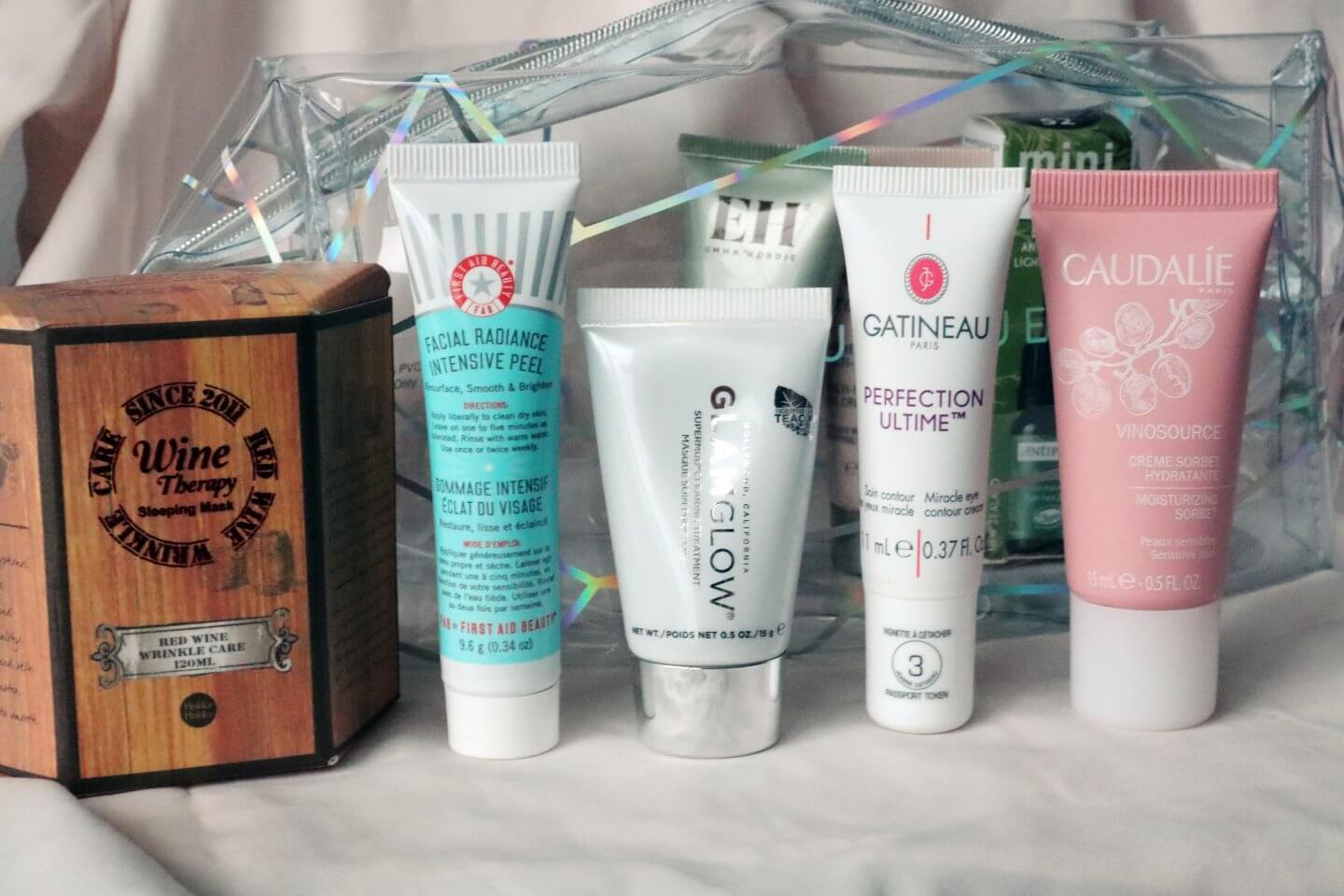 Feelunique Beauty Bag giftset including 2 full size products and 5 travel size samples including products from First Aid Beauty, Glam Glow, Caudalie, Emma Hardie, Antipodes.