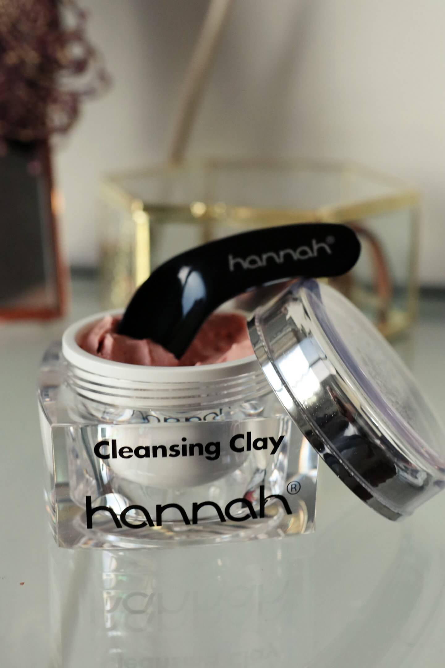 review of the new Hannah Huidcoach products. including the cleansing clay, brilliant touch, touch of silk and touch of colour.