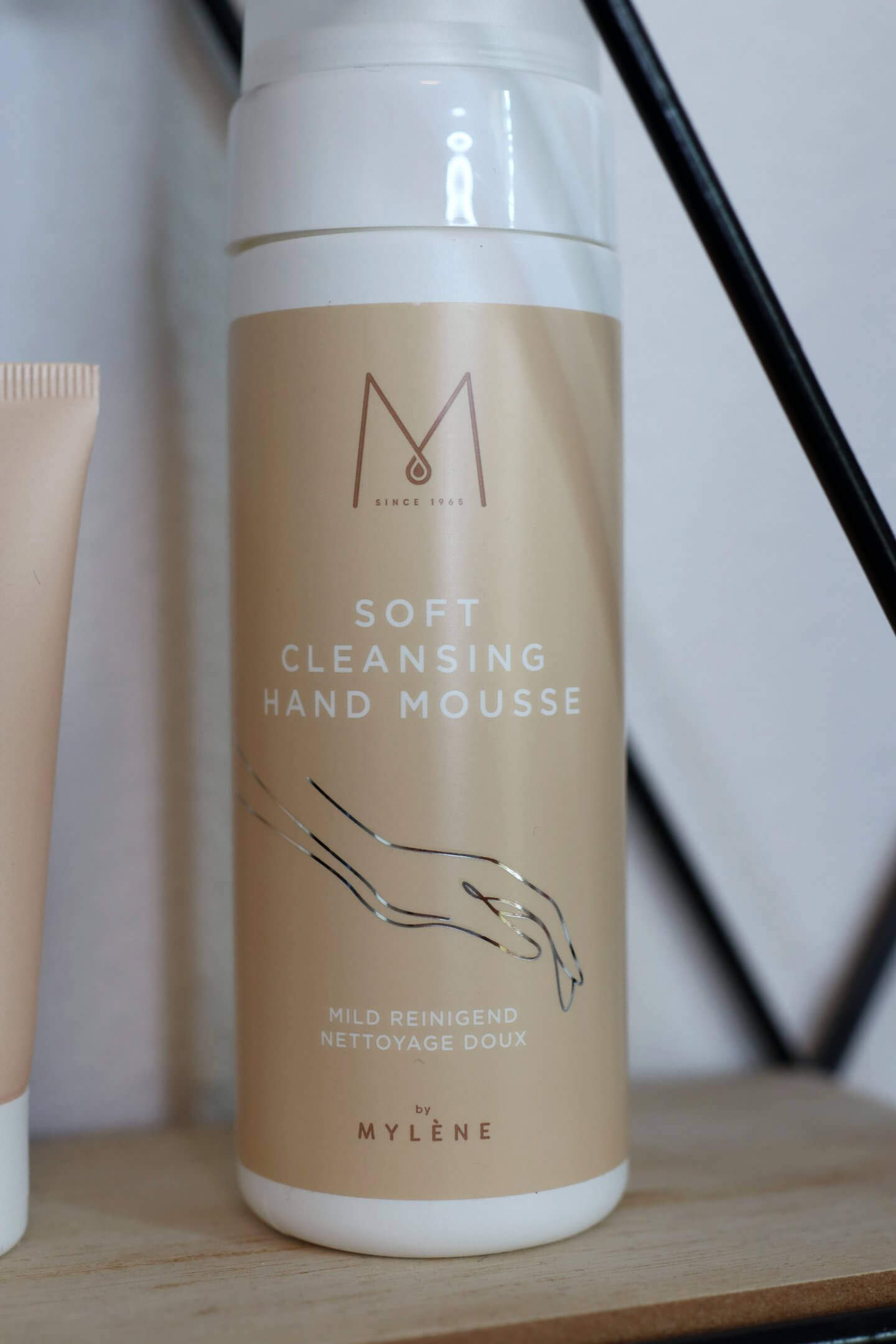 hand mousse cleanser - actually anna