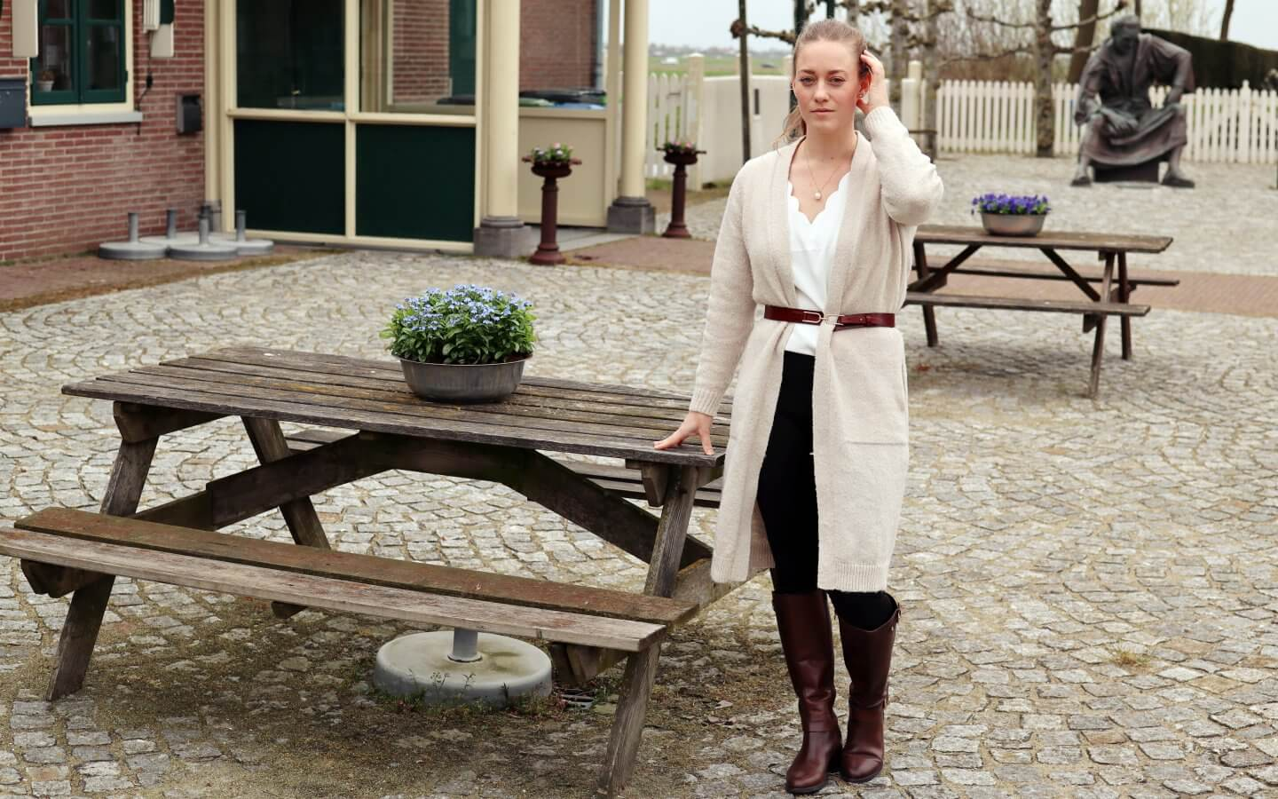 how to style a long cardigan - actually anna